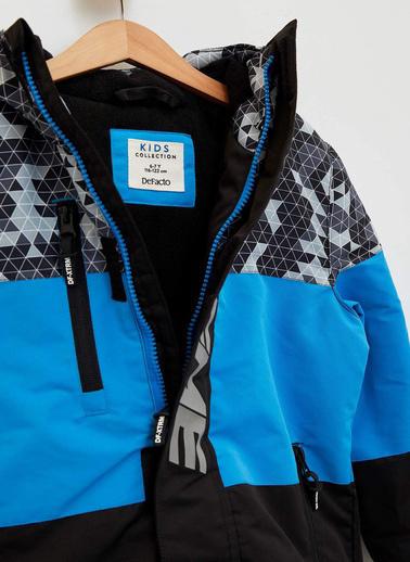DeFacto Renk Bloklu Kapüşonlu Mont Mavi